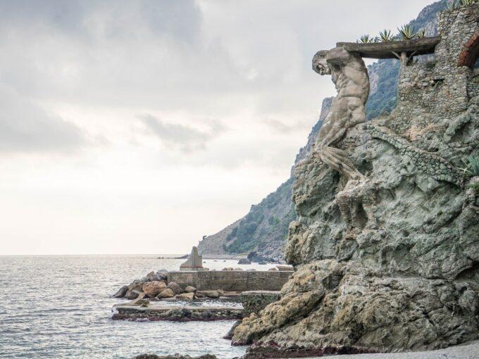 MONTEROSSO  Villetta indipendente a 100 metri dalla spiaggia del Gigante (cod. 690)