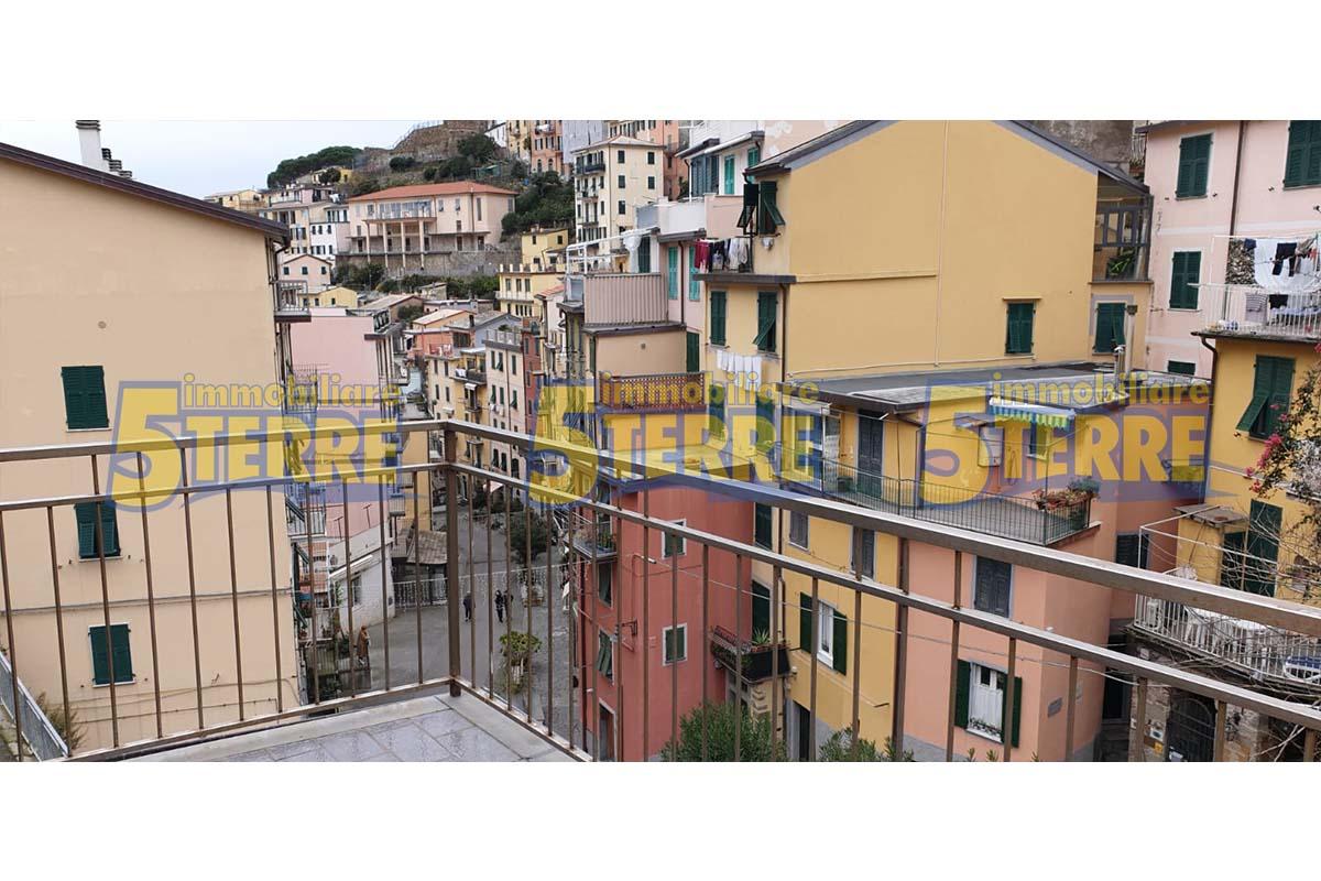 RIOMAGGIORE ampia casa adibita ad affittacamere (cod. 950)