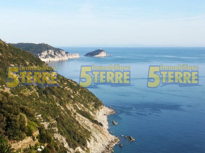 La Spezia – Cinque Terre – Rustico a picco sul mare (cod.135)